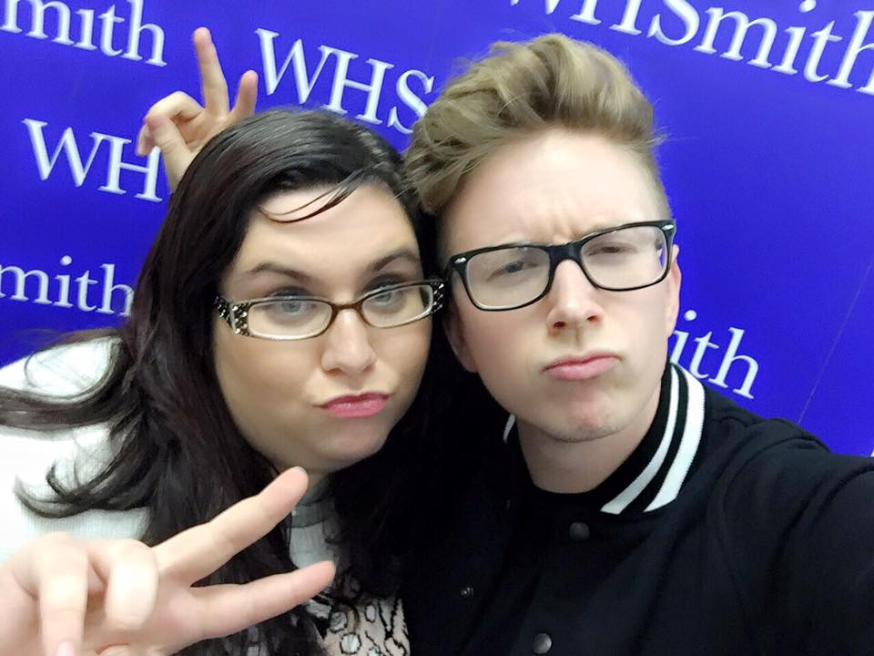 How To Meet A Celebrity Tyler Oakley Meets Fan Selfie Book Tour BINGE