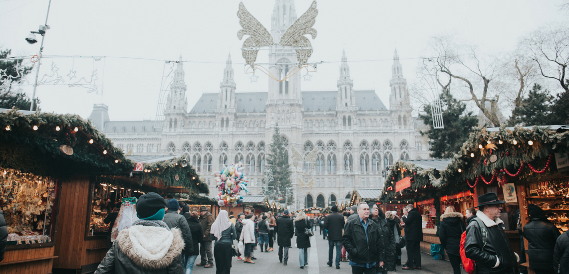 Blogmas Day 10: Best places to go Christmas shopping